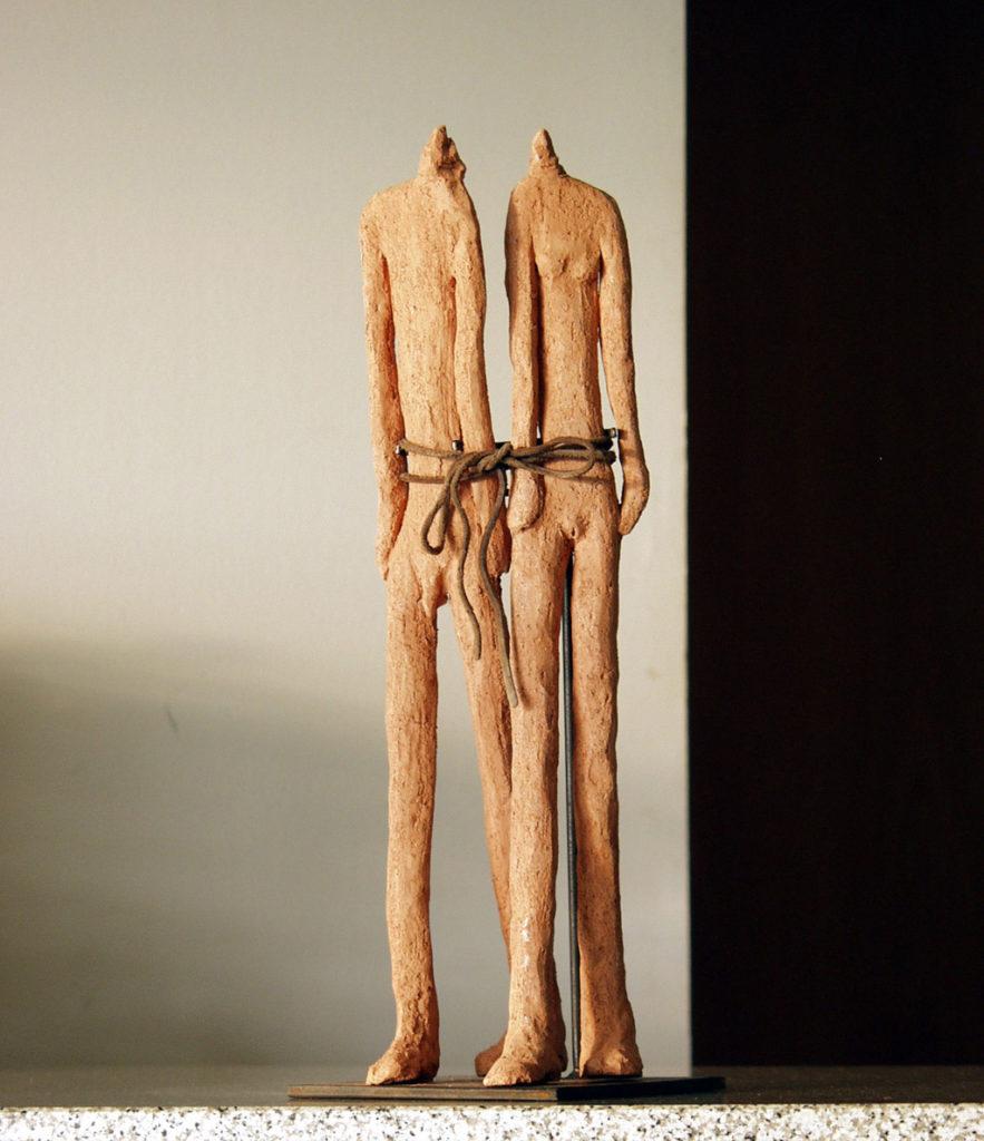 Couple lié sculpture de Philippe Doberset
