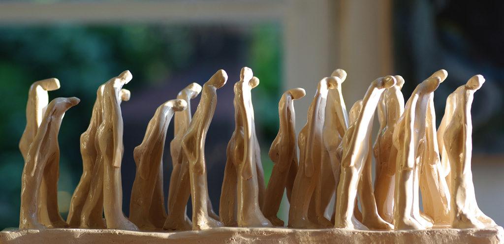 Les passants sculpture de Philippe Doberset.