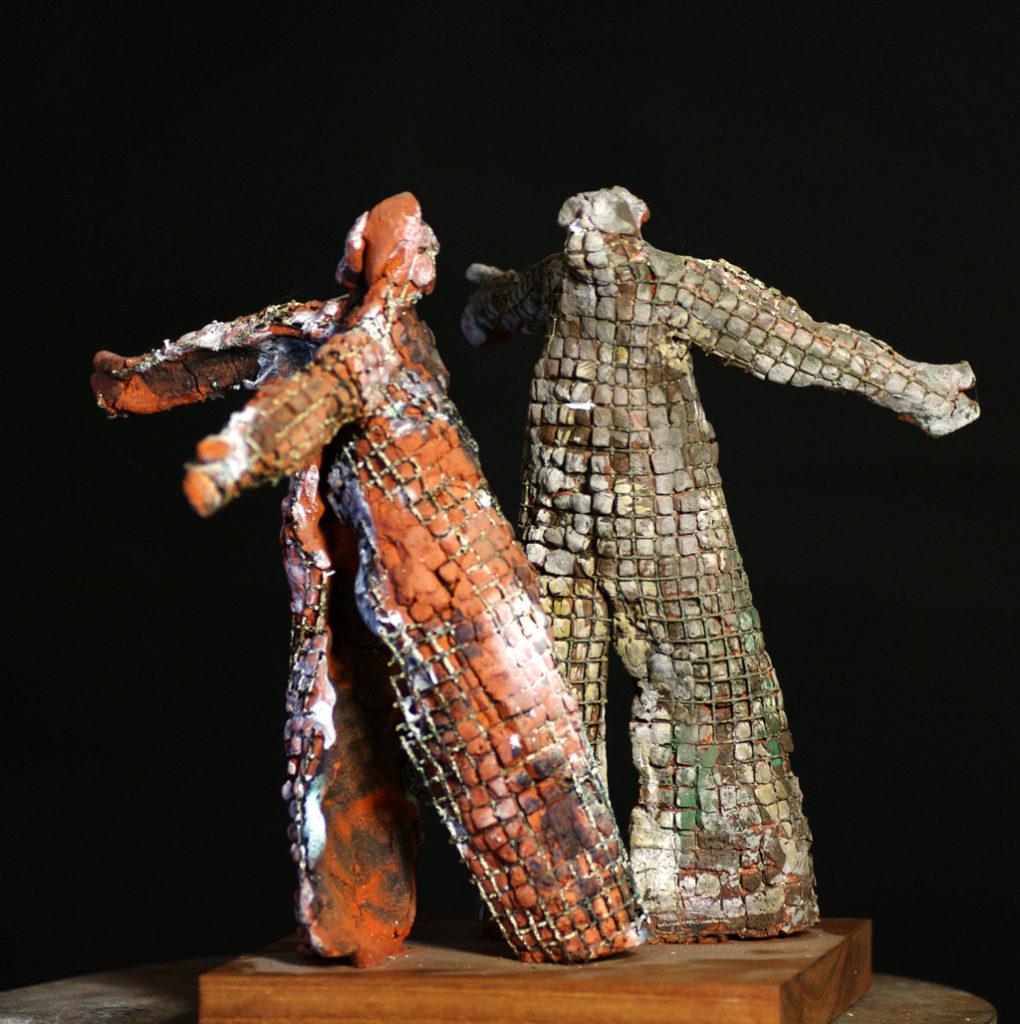 La rixe sculpture en terre et acier Philippe Doberset