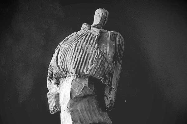 Ometto sculpture en béton de Philippe Doberset